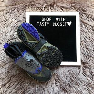 buy popular 27f66 3e74f Nike Shoes - Nike air huarache gripp qs sneakers